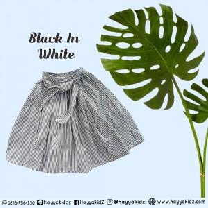 HARAJUKU BLACK IN WHITE